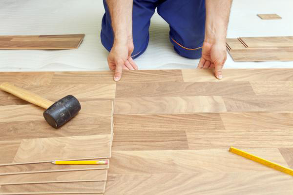 Pose du parquet alliance r novation - Parquet massif pose flottante ...